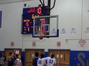 Shaker nets points during the 2nd quarter of Friday's varsity game.Eli Fisher / The Lightning Rod