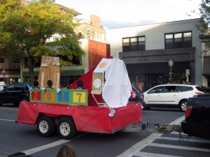 The sophomore class float on Broadway.