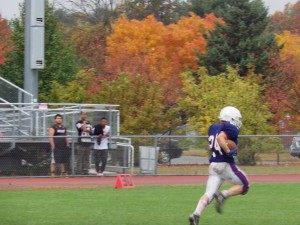 Saratoga running back Mike Kolakovic runs to score the final touchdown of the game.